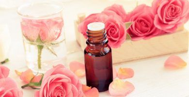 Aceite esencial de rosa damascena
