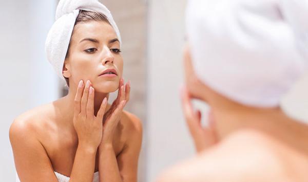 beneficios del aceite de melisa para la piel
